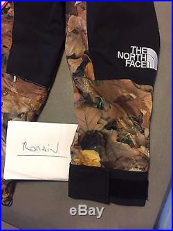 Supreme x The North Face Mountain Light Jacket Leaves, taille S